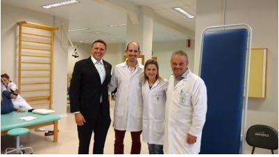 C:\Users\Fernanda\Desktop\apaes\Clinica de Fisioterapia Unochapeco, fisioterapeutras responsaveis Dr. Ricardo Nicareta  , Dra Rosane Nierokta  e professor de Estagio Dr. Marck Andrey Mazaro.jpg