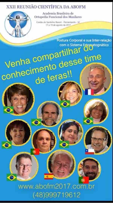 A imagem pode conter: 12 pessoas, pessoas sorrindo, criança, texto e close-up